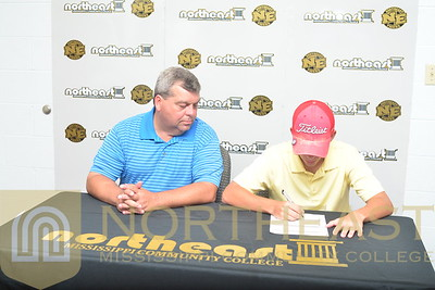 2016-06-22 GLF Austin Cooper signs with NEMCC Golf