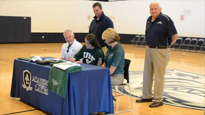 Lauren Evans Signs with USF