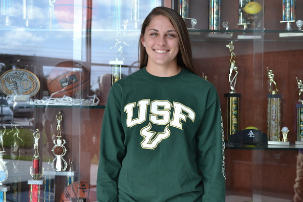 Lauren Evans Signs with USF 11/2013