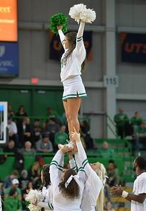 cheerleaders2450