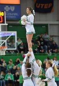 cheerleaders1430