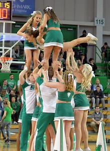cheerleaders8271