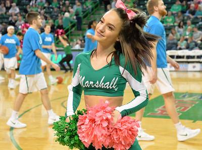 cheerleaders2704
