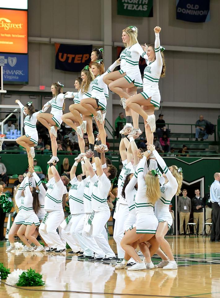 cheerleaders0113