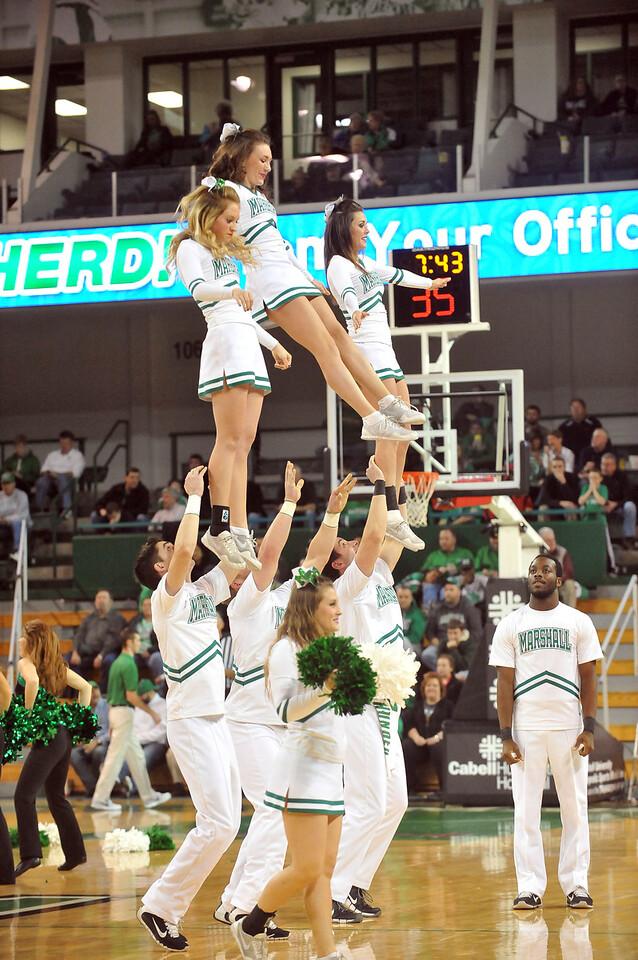 cheerleaders2375