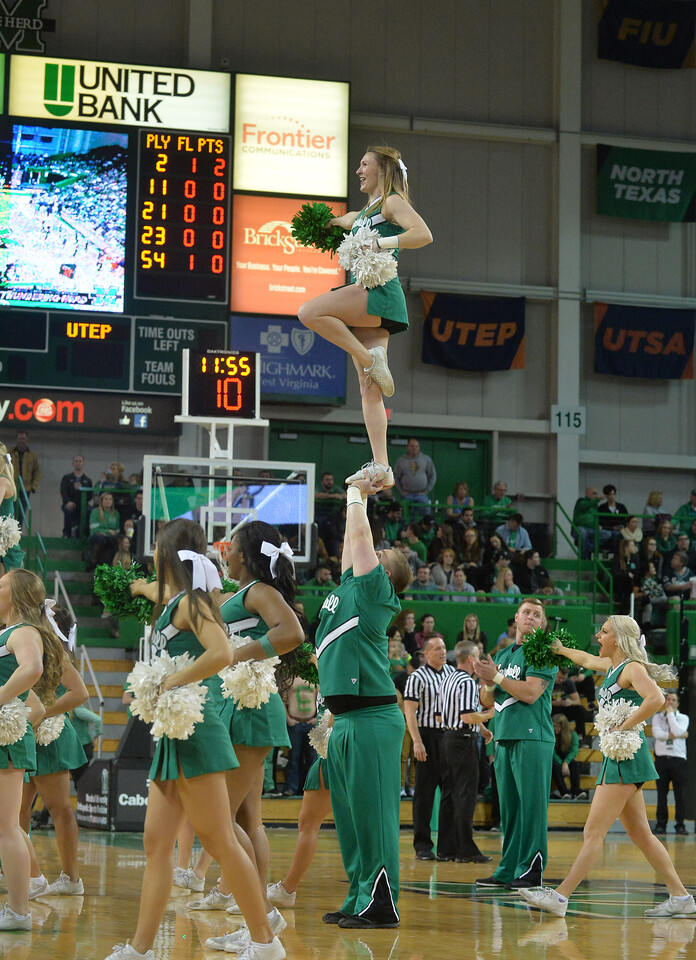 cheerleaders1700