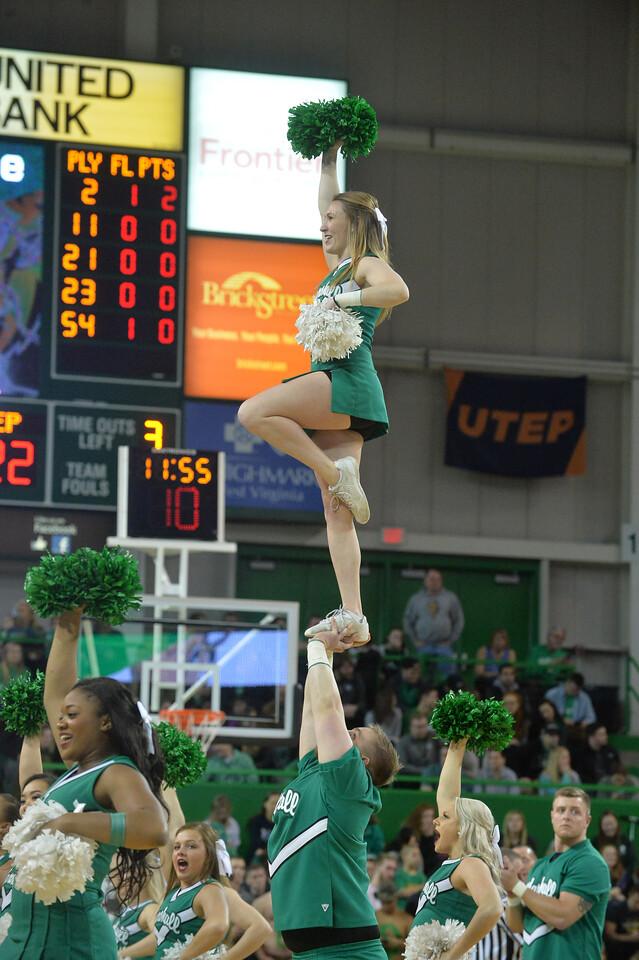 cheerleaders1703