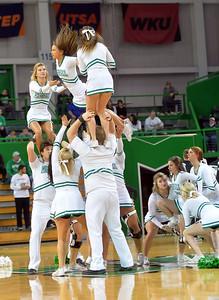 cheerleaders1208