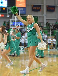cheerleaders0355