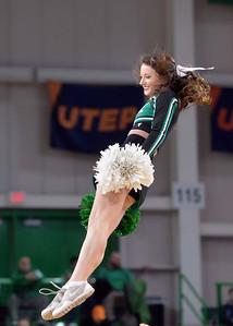 cheerleaders0215