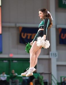 cheerleaders0213