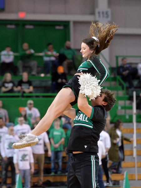 cheerleaders0218