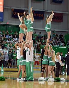 cheerleaders0400