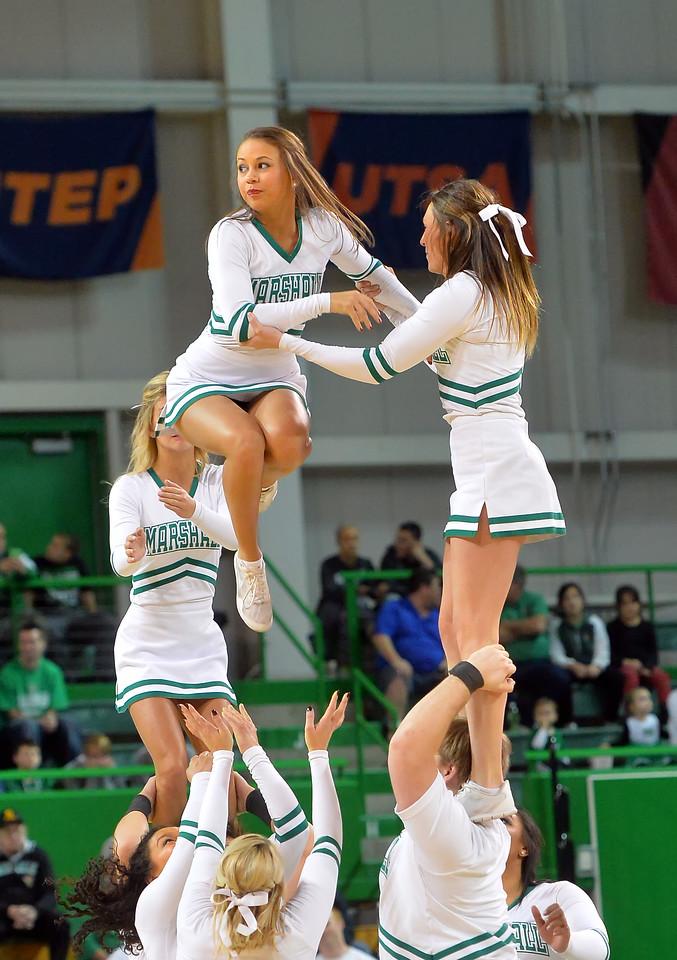 cheerleaders1205