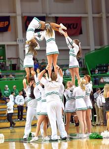 cheerleaders1217