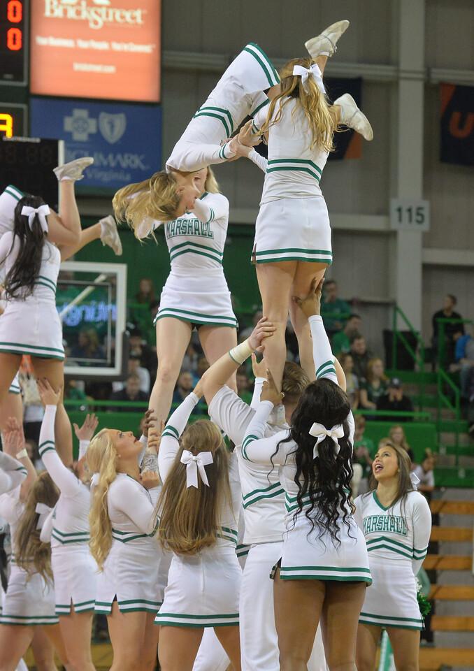 cheerleaders0243