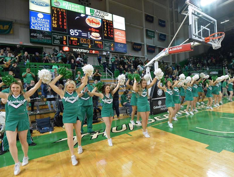 cheerleaders3599