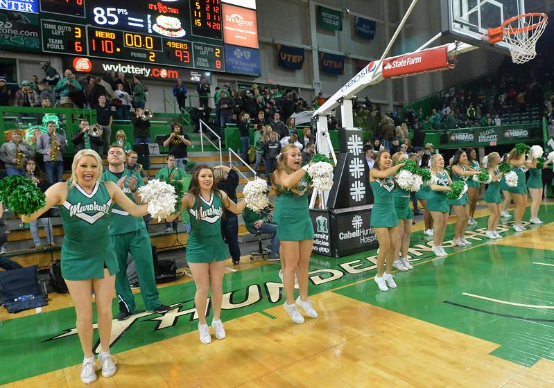 cheerleaders3603