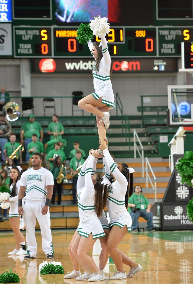 cheerleaders2310