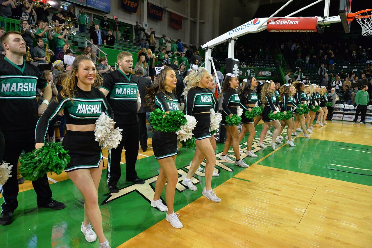 cheerleaders0726