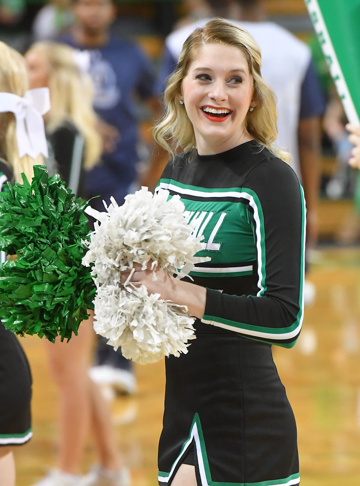 cheerleaders0013