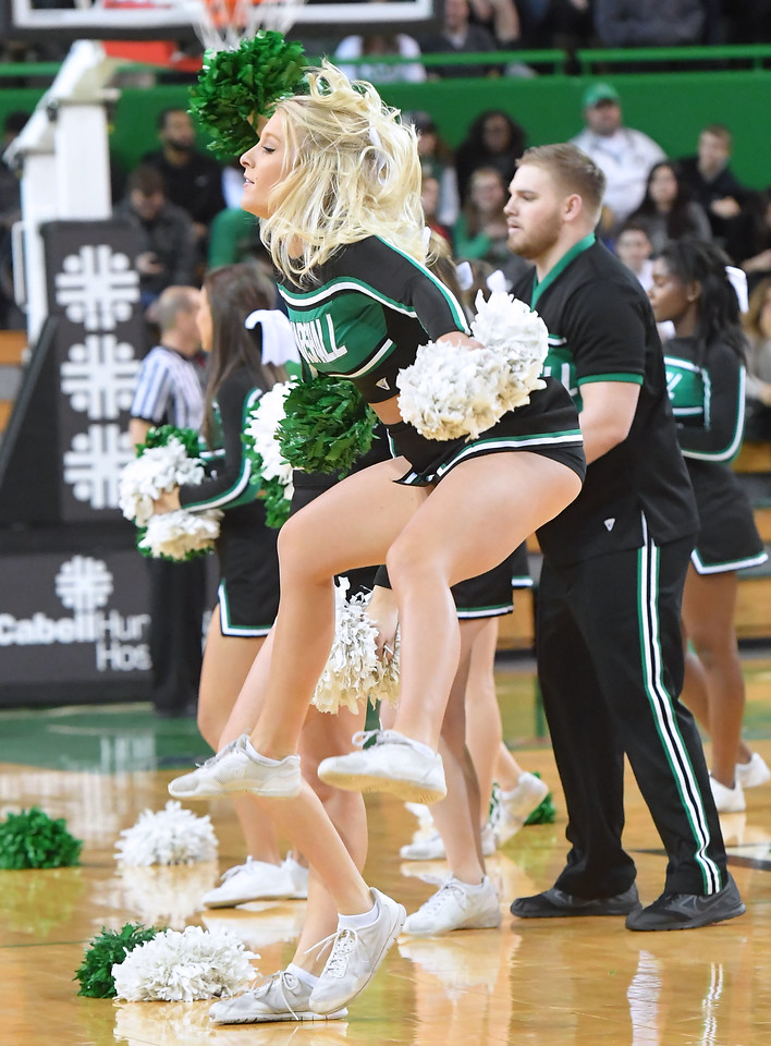 cheerleaders0389