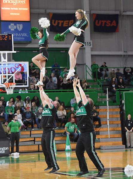 cheerleaders0319