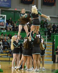 cheerleaders2071