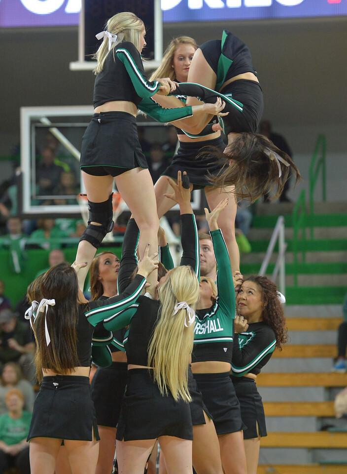cheerleaders4053