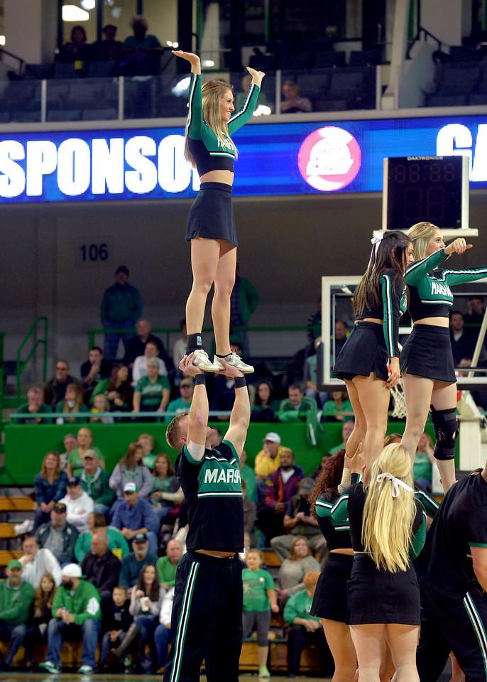 cheerleaders3880