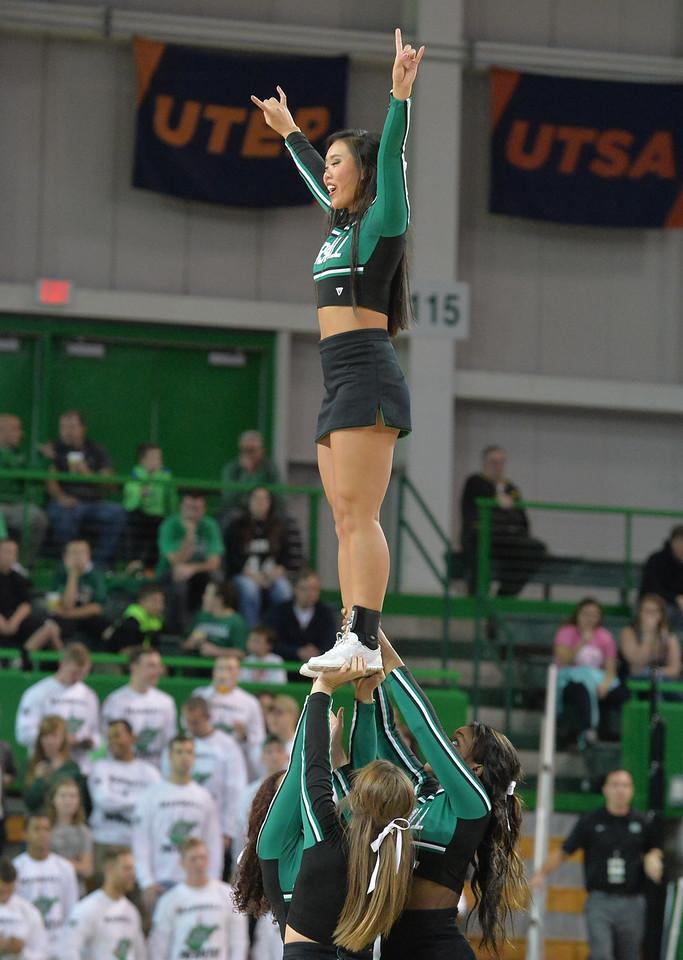cheerleaders3453