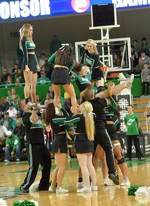 cheerleaders2370