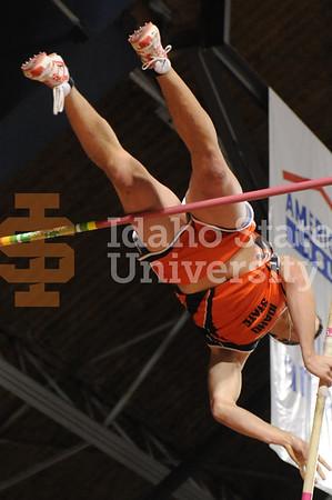 ISU Track 01/16