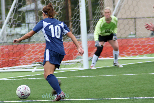 MessiahWSoccer_1215