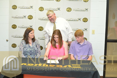 2016-05-26 SB Bailey Bouge Signs with Blue Mountain College