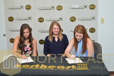 2016-06-21 TEN Abby Hollowell and Meredith Murphy sign with NEMCC Tennis