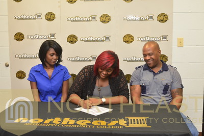2016-08-10 WBB Bryanna Perry Signs with NEMCC