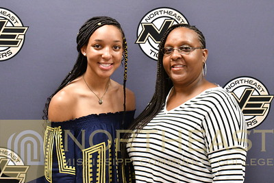 2018-08-10 WBB Dominique Caldwell Family Photo