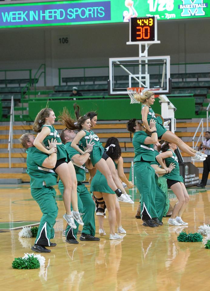 cheerleaders0168