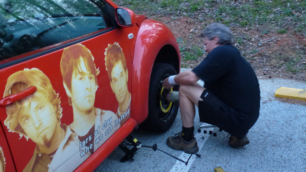 Many thanks to Stan for changing our tire in less than 5 minutes!