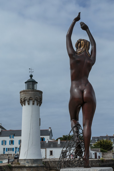 Naked lady and lighthouse, Port Haliguen