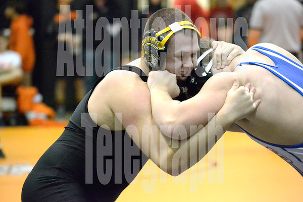 Nate Moen defeated his opponent from AHSTW 3-1 on Tuesday in Red Oak.