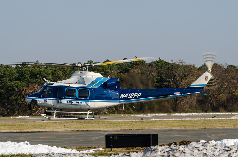 Park Police Bell 412 departs Republic