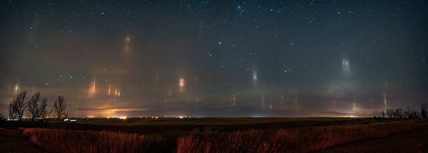 Light Pillars on the Prairies