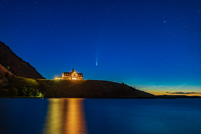 Comet NEOWISE and NLCs over Prince of Wales Hotel (July 14, 2020)
