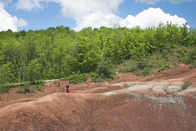 LL at the Cheltenham Badlands