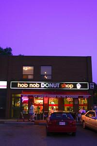 hop nob DONUT shop