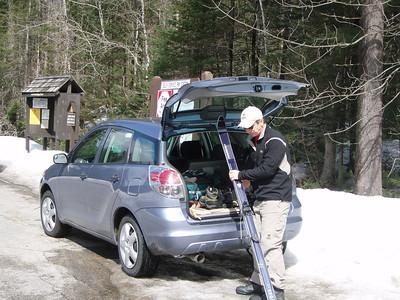 Today's ski begins at the Smart's Brook parking area.