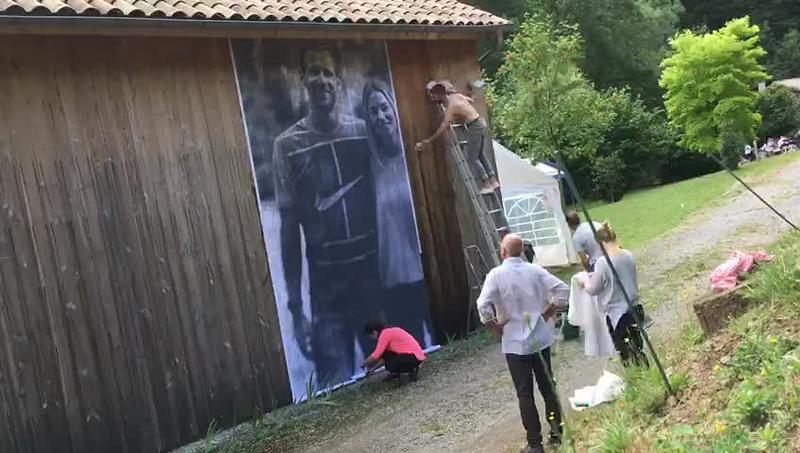 Cadeau de mariage pour Flore & Hugo. Collage de 5m x 3m