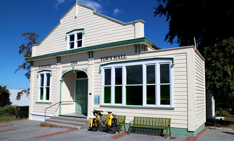 Day 3 Kihikihi Town Hall and Rest Stop